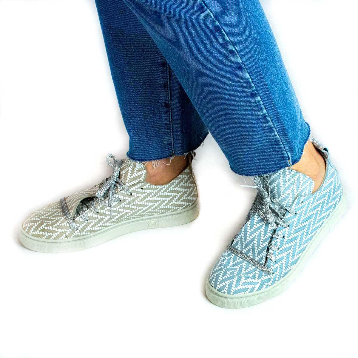 Chaaya Sneaker